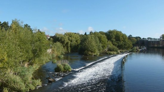 Otley, UK: The River Weir