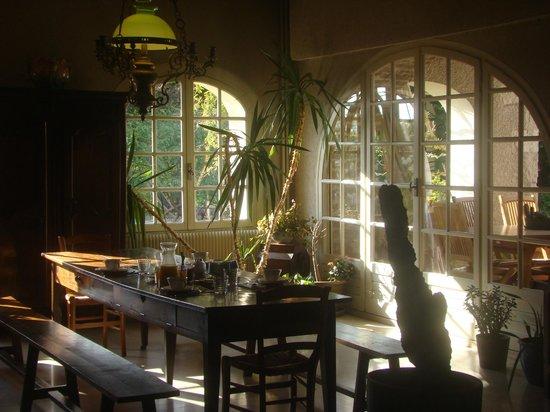 Fleurs de vignes : Sala de refeições e estar
