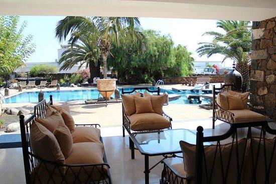 Hotel Villa Vik: Dining Terrace