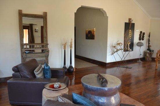 Escarpment Luxury Lodge : Reception area