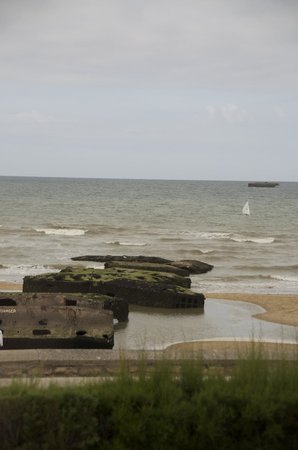 Musee du debarquement : Remains of the Mulberry Harbor