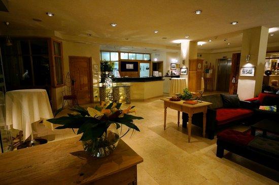 Hotel La Majun: Lobby