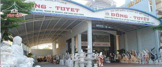 Tuyet Dung Stone