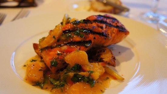 Ray's Cafe: 鮭魚排
