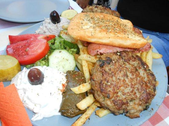 Kamari Star Hotel: specialità culinaria greca