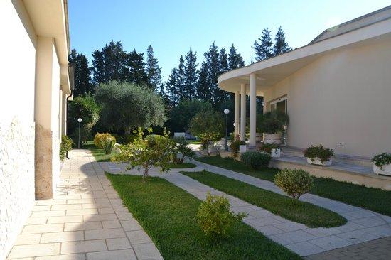 Residence Bellaria : vialetti fra gli appartamenti