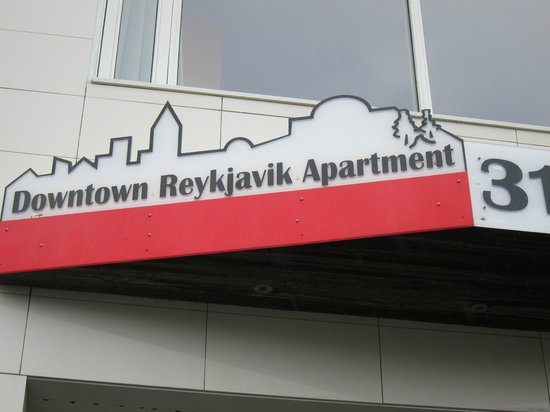 Downtown Reykjavik Apartments : Door to door pickup service was available through Flybus from Airport