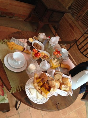 Estalagem Wiesbaden: Café da Manhã servido no Gazebo