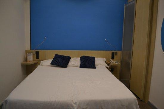 Hotel Mediolanum Milan : bed