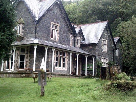 YHA Snowdon Bryn Gwynant: Main House.