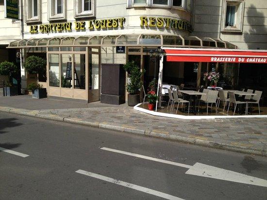 Le Chateau De L'Ouest: Restaurant français ouvert du lundi au samedi de 9h00 à 22h30