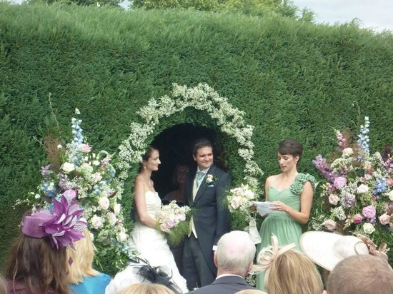 Soulton Hall: Our garden ceremony
