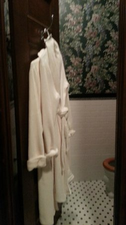 Spitzer House Bed & Breakfast: Plush robes, private water closet