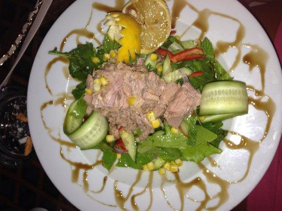 Turihan Hotel: Beautiful salad