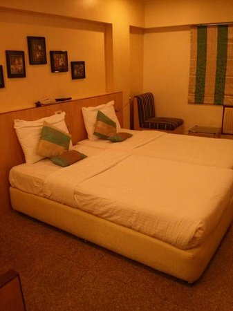 Hotel Transit: twin bed
