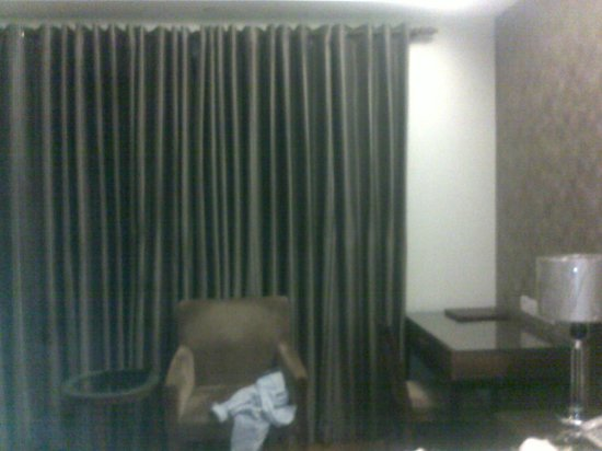 Alpina Hotels & Suites: Room2