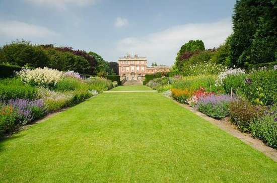 Newby Hall and Gardens: Herbaceous borders
