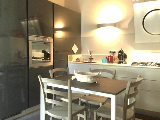 Casa del Cavaliere: Kitchen