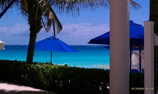 Golden Parnassus All Inclusive Resort & Spa Cancun: View from hammock at pool side