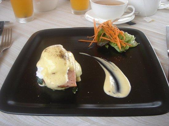 The Scent Hotel: Benedict Eggs - Breakfast