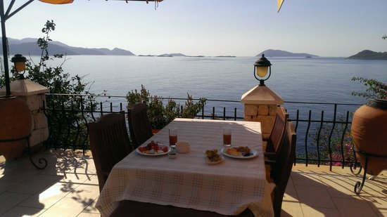 Villa Hotel Tamara : Breakfast with a view