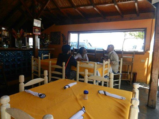 Lakay: A table