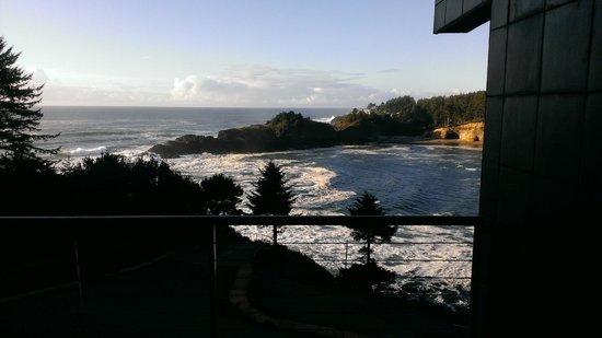 Whale Cove Inn : The View 2
