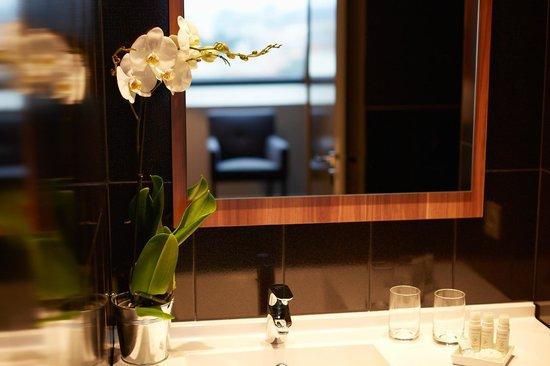 Atrium Hotel : Salle de bain