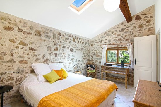 Maison Hirondelles: Gite double or twin bedded room
