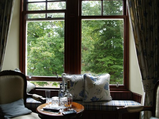 Tigh na Sgiath Country House Hotel : Window seat - Tulchan room