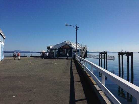 The Pier Bistro: Pier Bistro on the pier!