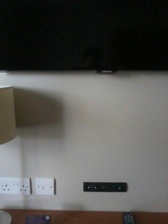 Premier Inn Coventry South (A45) Hotel: TV + wallport