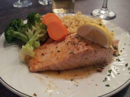Karouzo's Steaks Seafood: Salmon