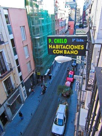 C. H. Chelo : Calle Hortaleza desde la habitación del hostal