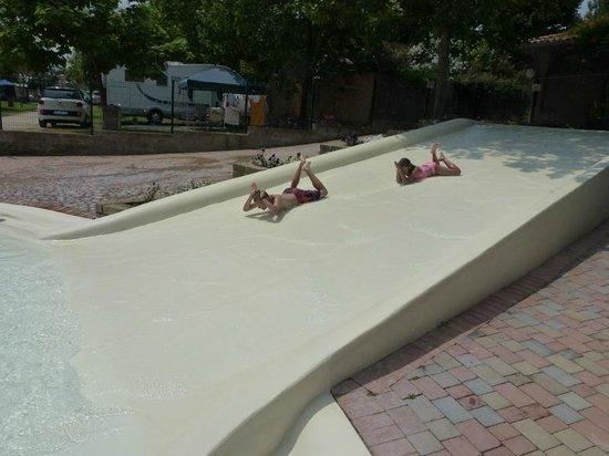 I Pini Family Park: Kiddie Pool and slides