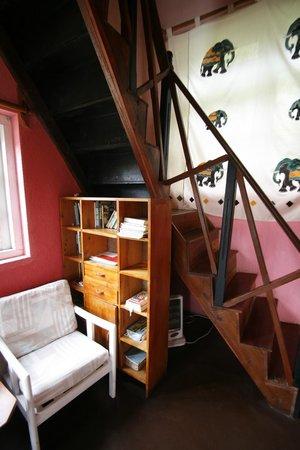 Sincere Wilderness: Living room details