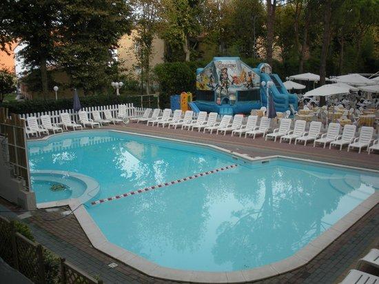 Club Family Hotel Executive: La piscina dell'hotel