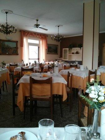 Hotel Sorriso: breakfast room