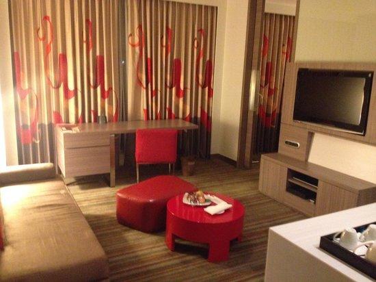 Hotel Novotel Taipei Taoyuan International Airport: The living room