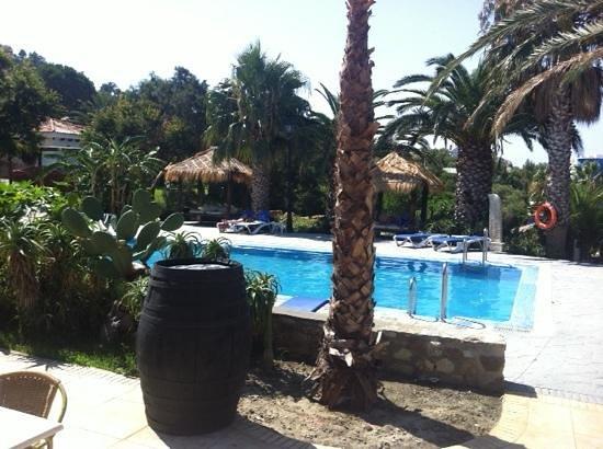 El Cortijo de Zahara: Zona de la piscina. Espectacular.