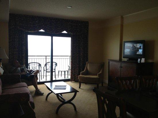 Anderson Ocean Club & Spa, Oceana Resorts: Living area and balcony