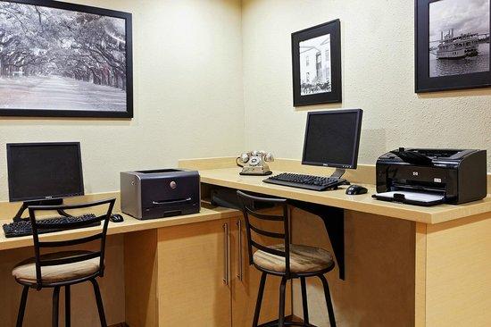 TownePlace Suites Savannah Midtown: Business Center