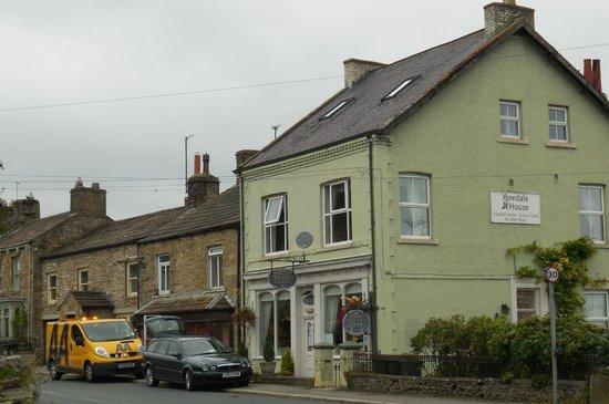 Yoredale House Guesthouse and Hamilton's Tea Room : Yoredale House