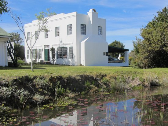 Redford House: Neat buildings, well-maintained