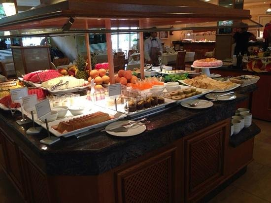 Viva Palmanova & Spa: dette er dessert bordet! fantastisk mad! bare bestil halvpasion!