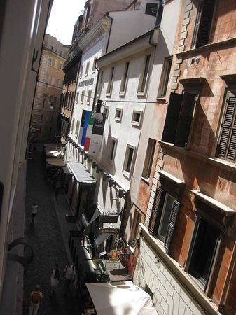 Babuino 181: Westward view from room
