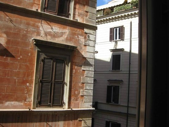 Babuino 181: Eastward view from room