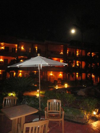 VIK Hotel Cayena Beach: Hotel pela noite