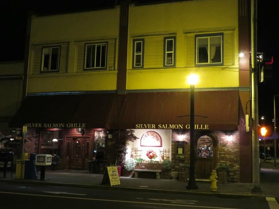 Silver Salmon Grille: Worth a visit