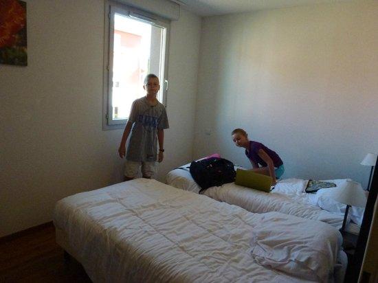 Park & Suites Toulouse Saint Simon : 2nd room